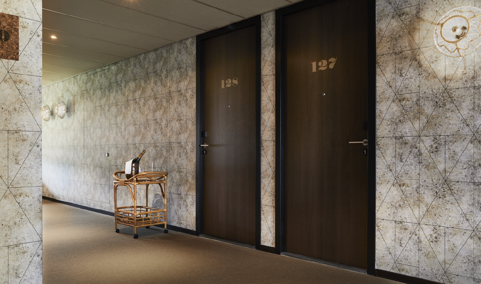 fresco_wallcovering_hotelv3